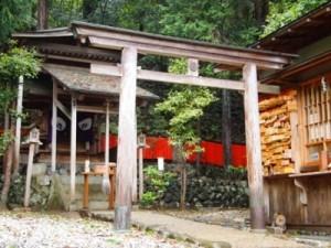 ハゲ・薄毛に御利益のある嵯峨野の御髪神社